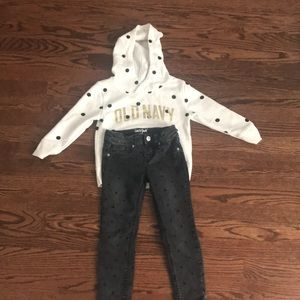 4T Old Navy hoodie and black Cat & Jack jeans